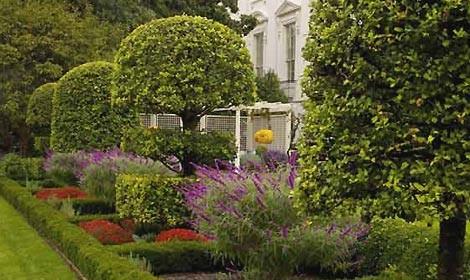 Nei giardini della casa bianca - Giardini in casa ...