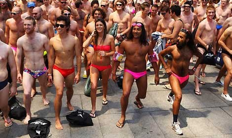 raduno-costume-sydney.jpg
