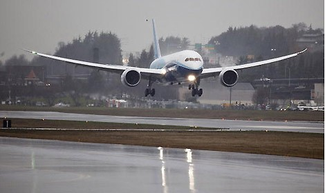 dreamliner-decollo-seattle.jpg